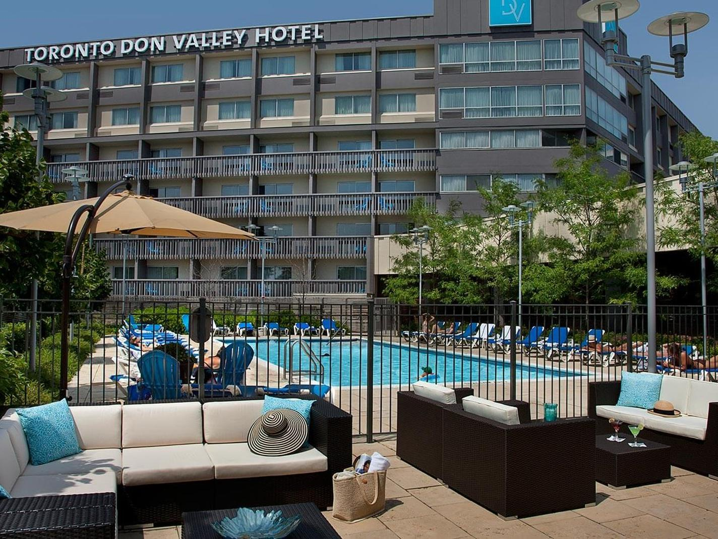 Outdoor pool at hotel in Toronto, ON