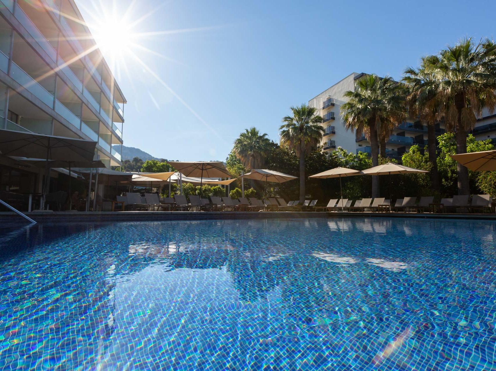 Schwimmbad-Terrasse - Aimia Hotel Mallorca