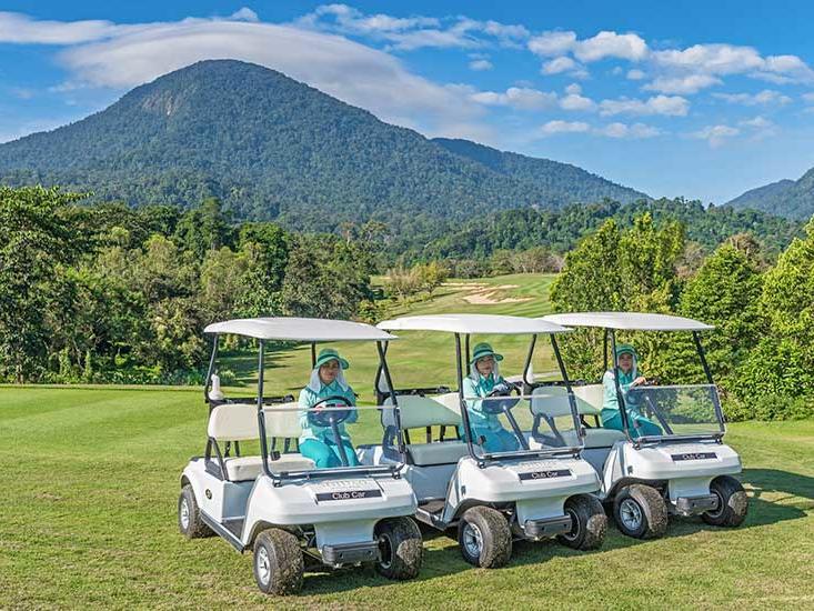 Golf car tour at Chatrium Golf Soi Dao Chanthaburi