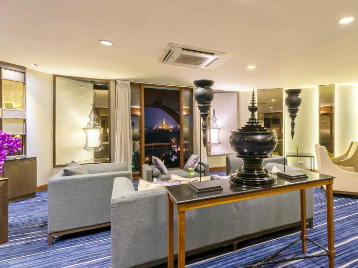 Chatrium Club Lounge  at Chatrium Hotel Royal Lake Yangon