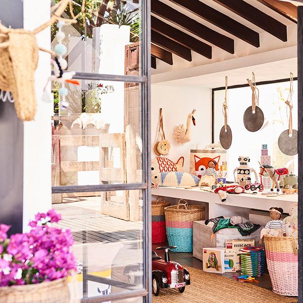 Stores around Marbella Club