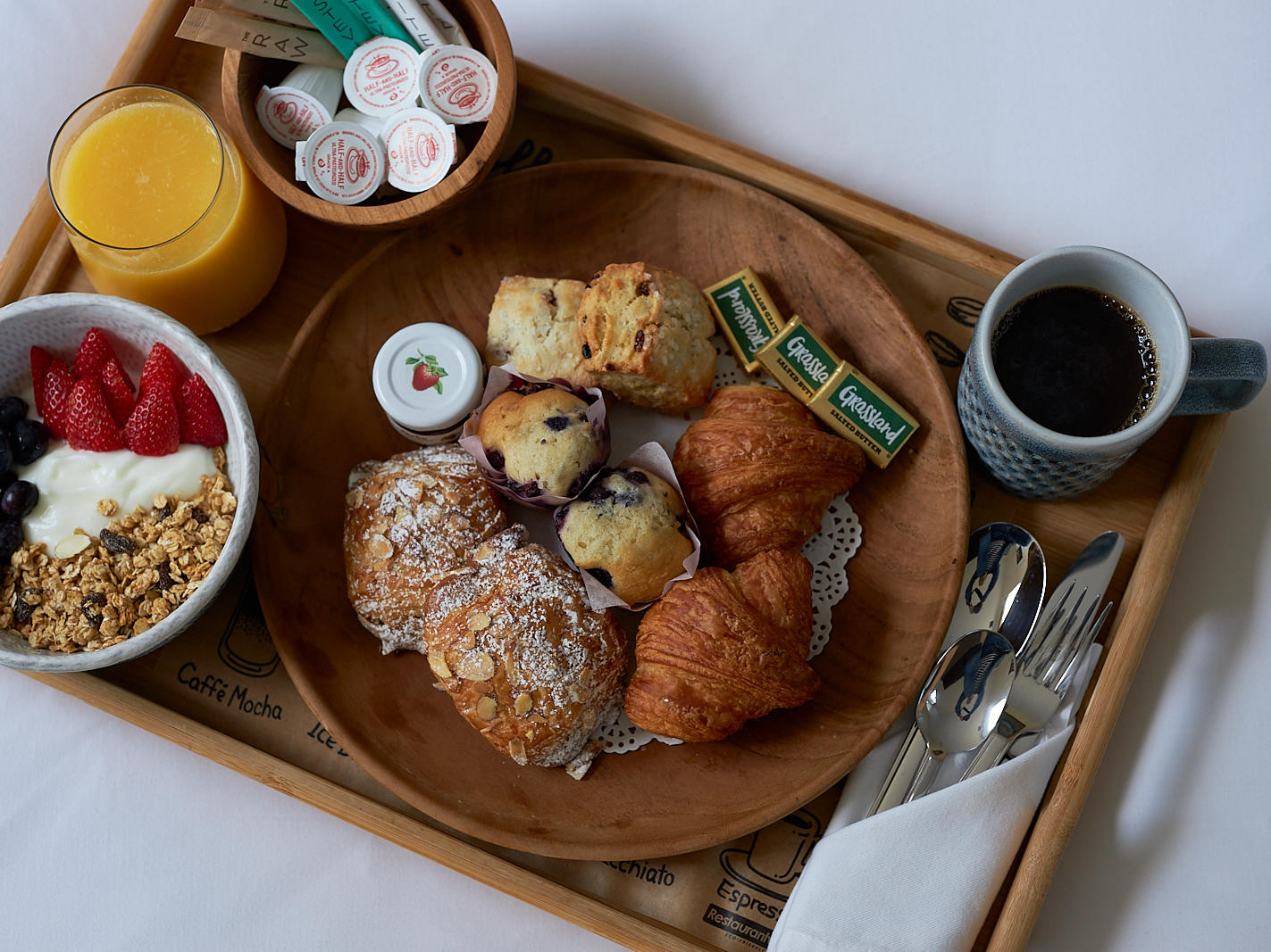 Complimentary Continental Breakfast, The Roundtree, Amagansett, Hotel in Hamptons