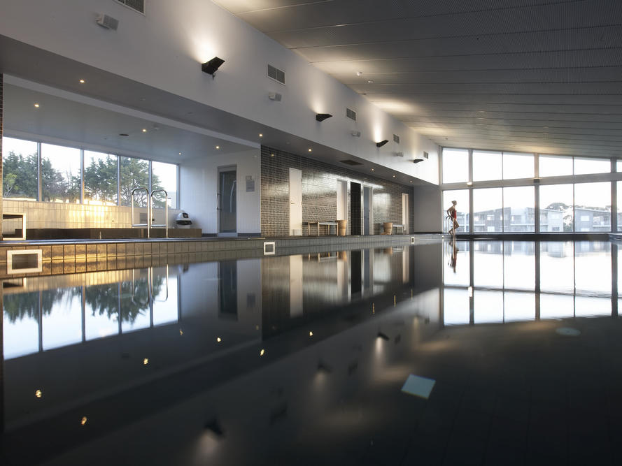 Image of the heated indoor lap pool at Silverwater Resort