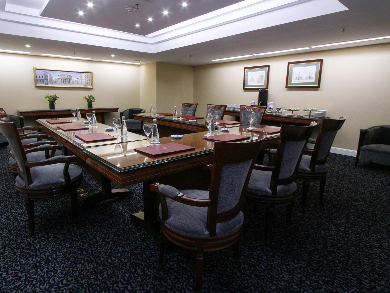 Arranged Business Centre at Hotel Emperador Buenos Aires