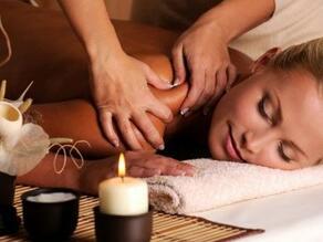 Closeup on an ongoing massage in Spa at Hacienda Cantalagua