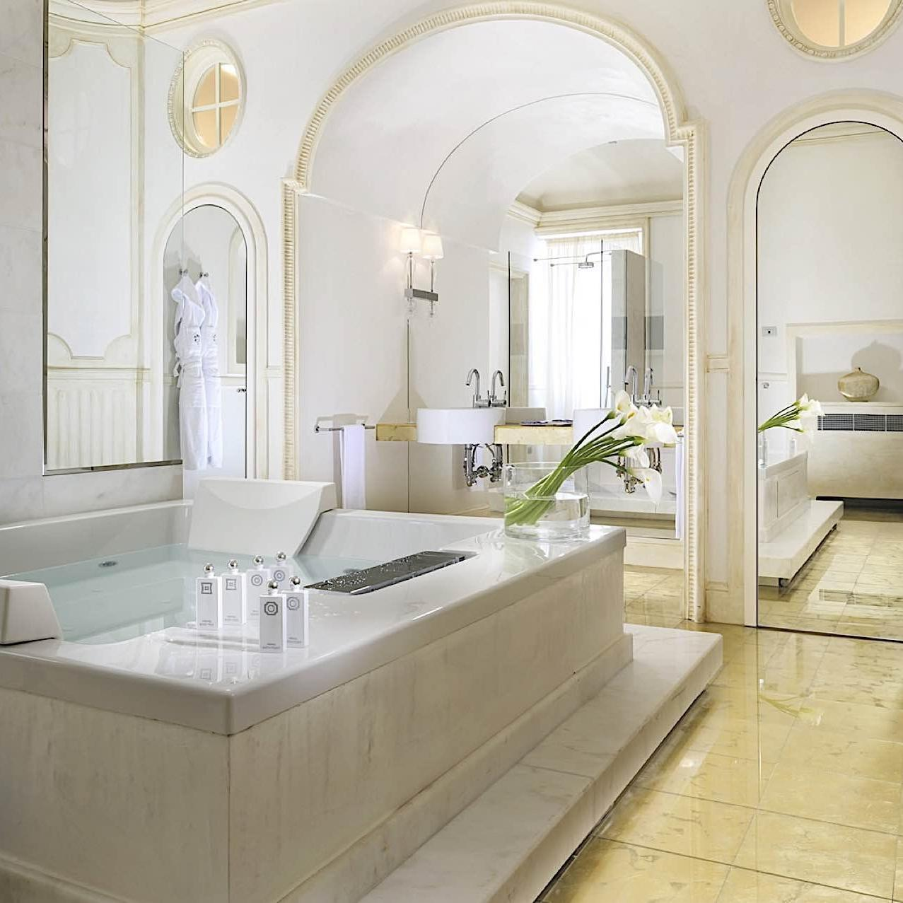 Bathroom Liliana | Villa Le Maschere