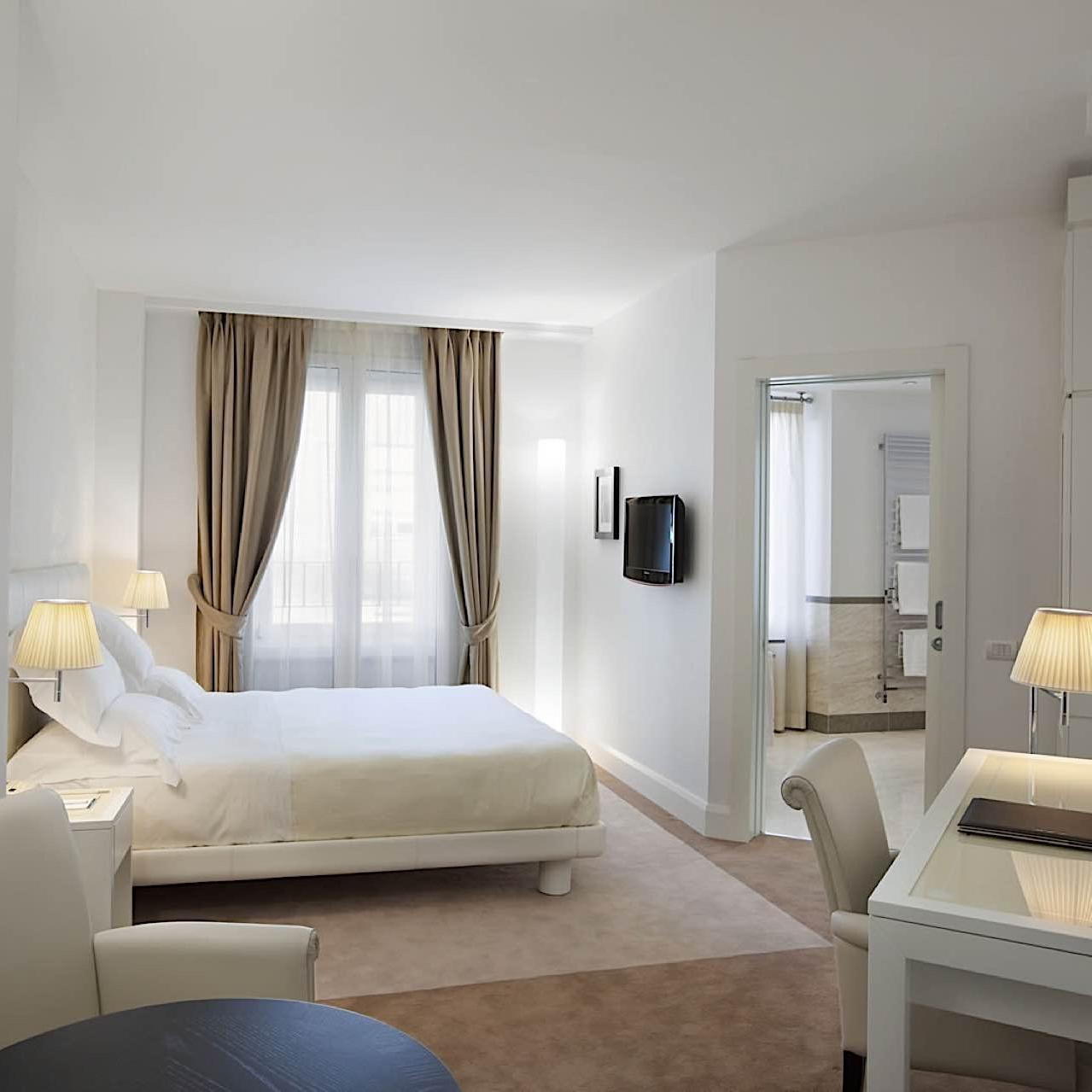 Executive   Maison Milano