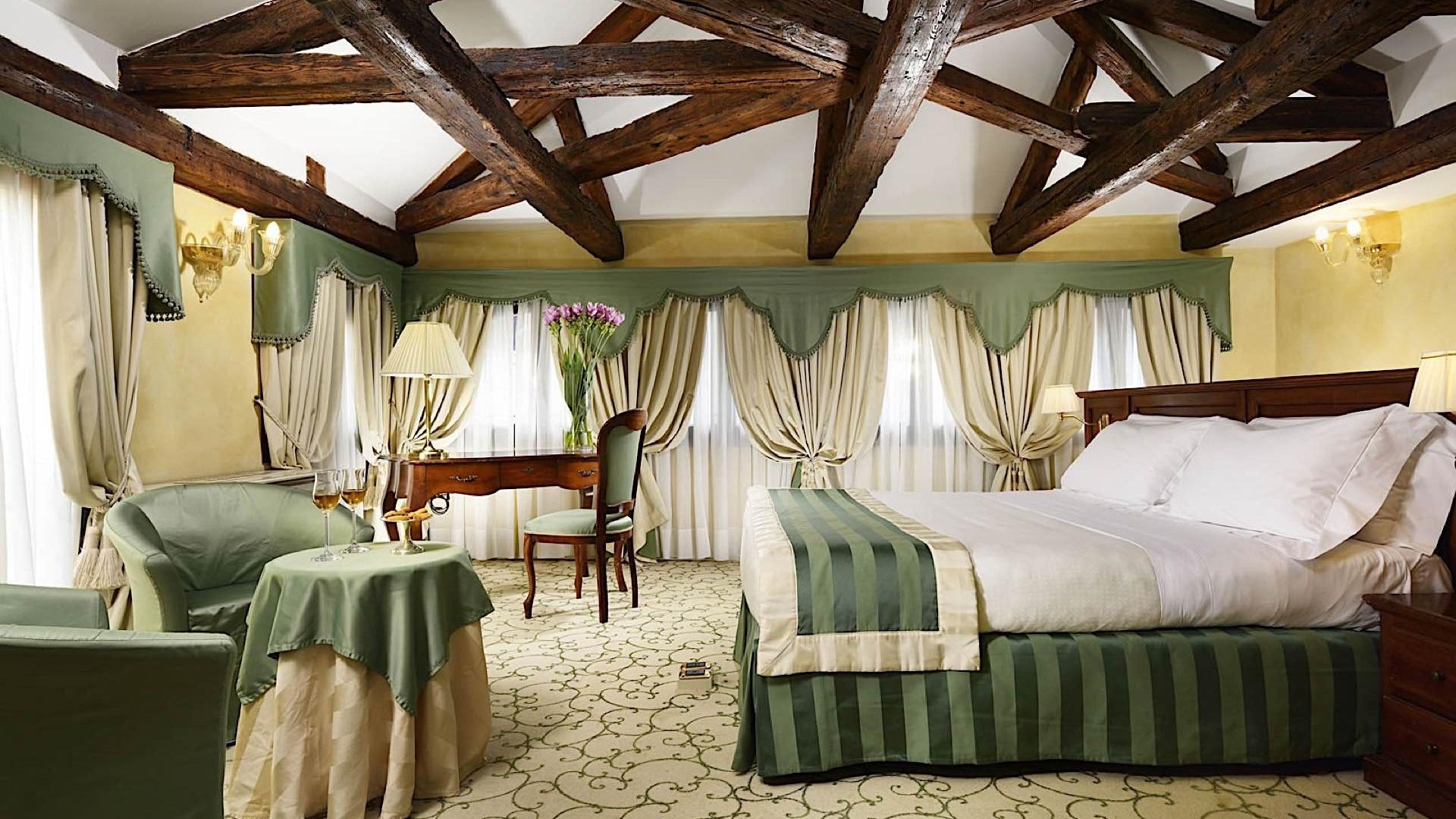 Room | Maison Venezia