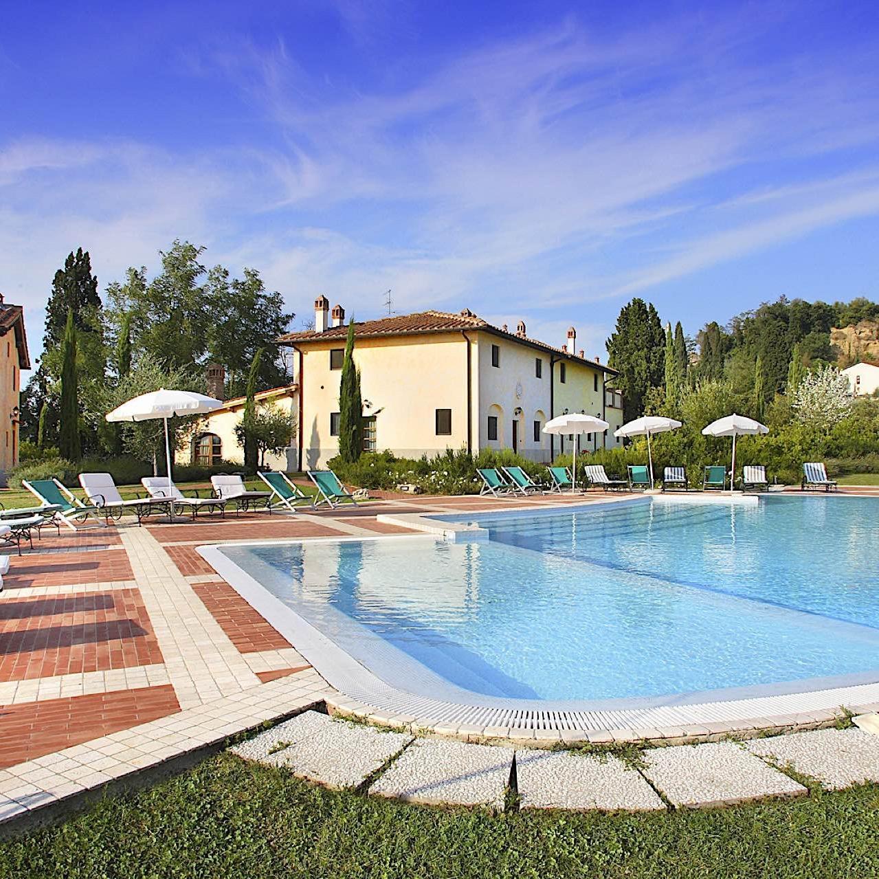 Villa-Vignola Pool   Fattoria Santo Stefano