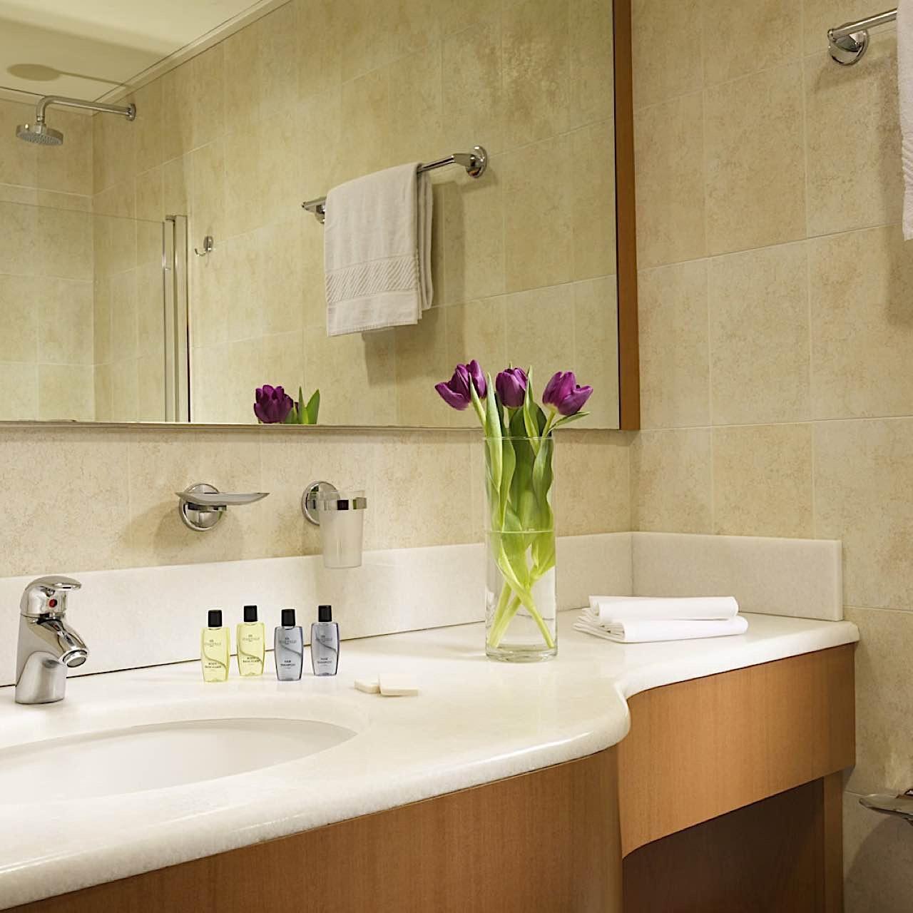 Bathroom   Quark Due Hotel & Residence Milano