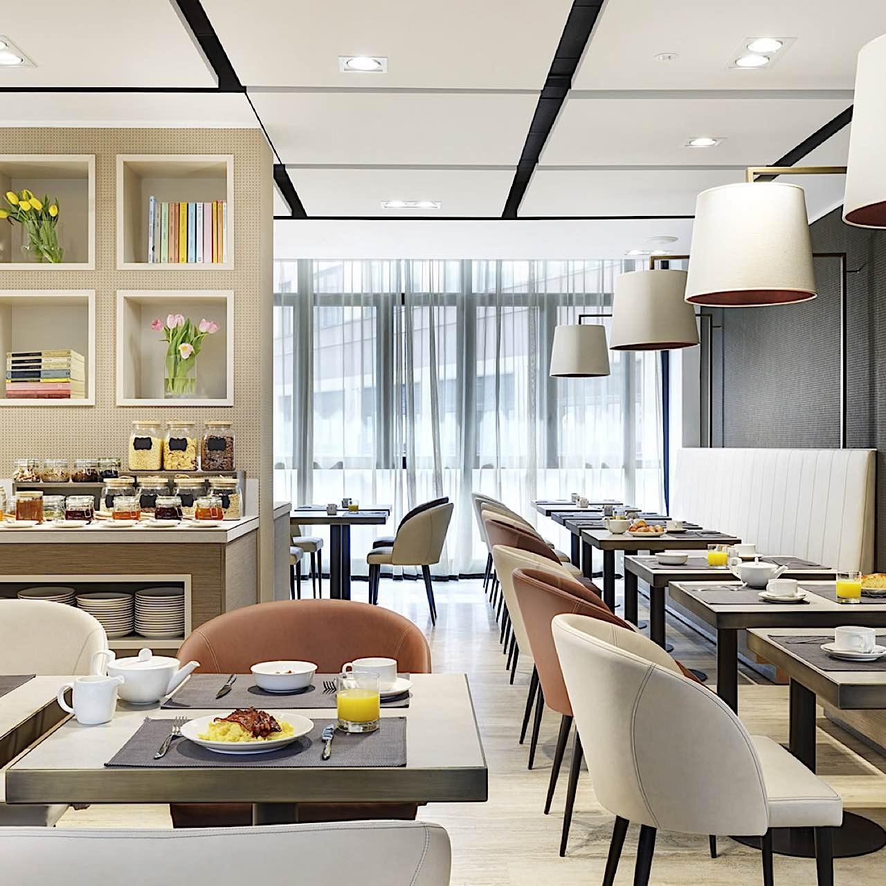 Breakfast room | Linea Uno Hotel & Residence Milano