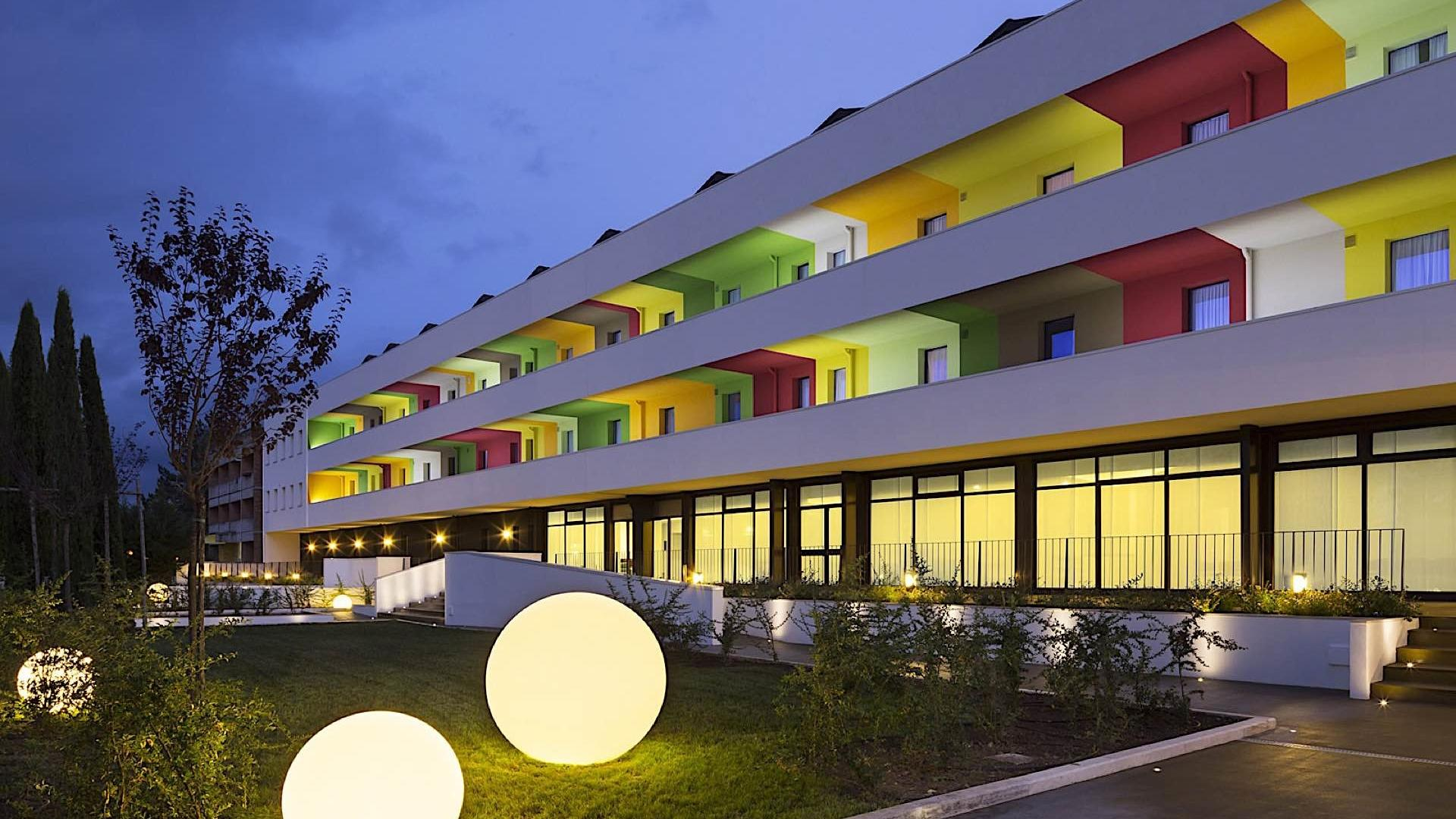 Main Entrance | Hotel Fabro