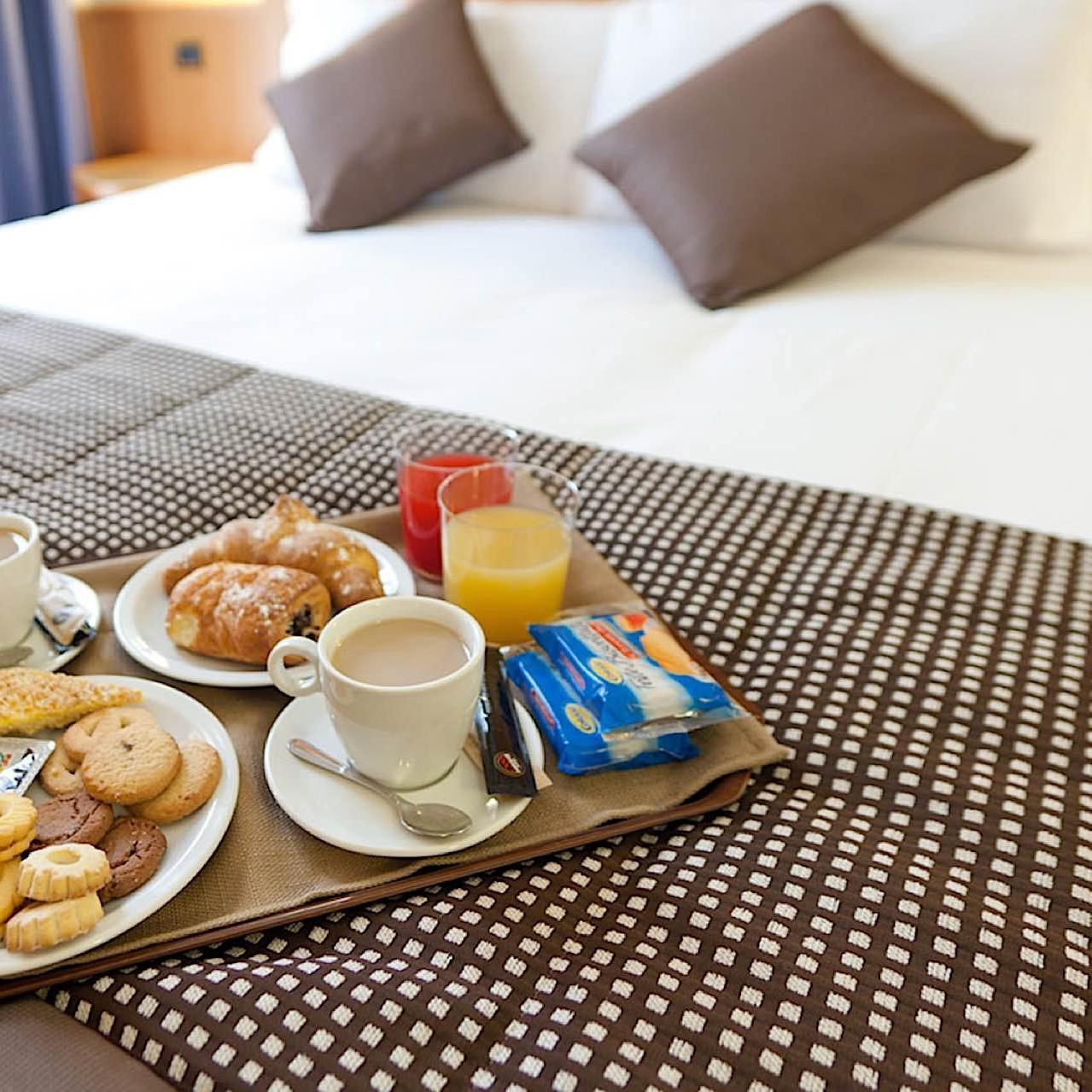 Room Service | UNAWAY Hotel Occhiobello