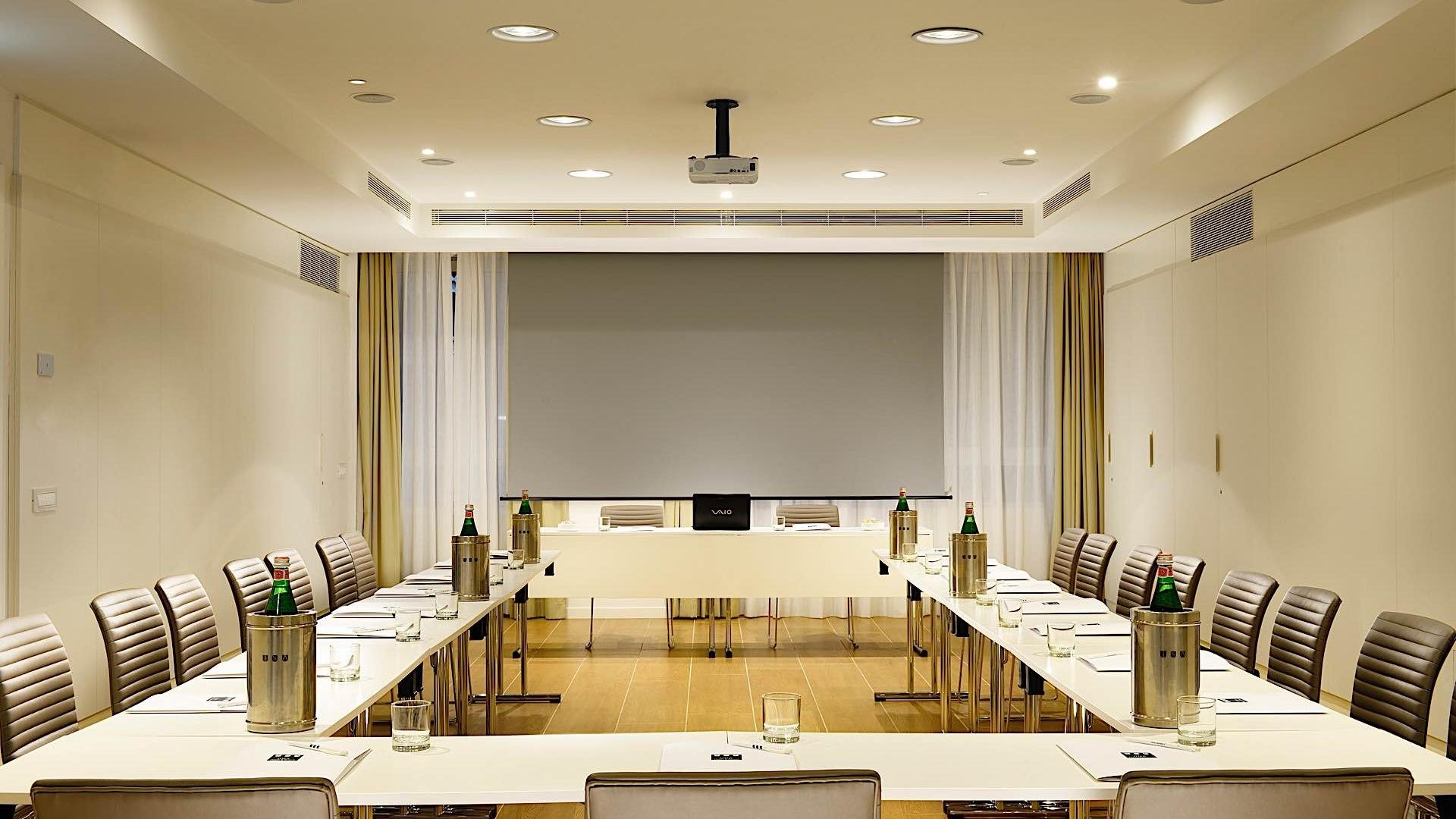 Pirelli Meeting Room | Century Milano