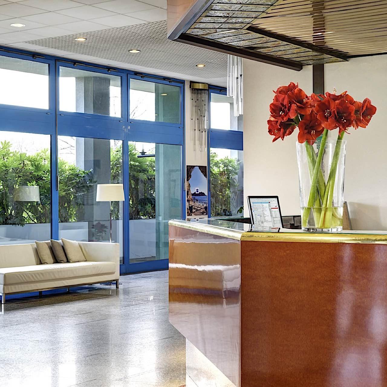 Reception   Quark Due Hotel & Residence Milano