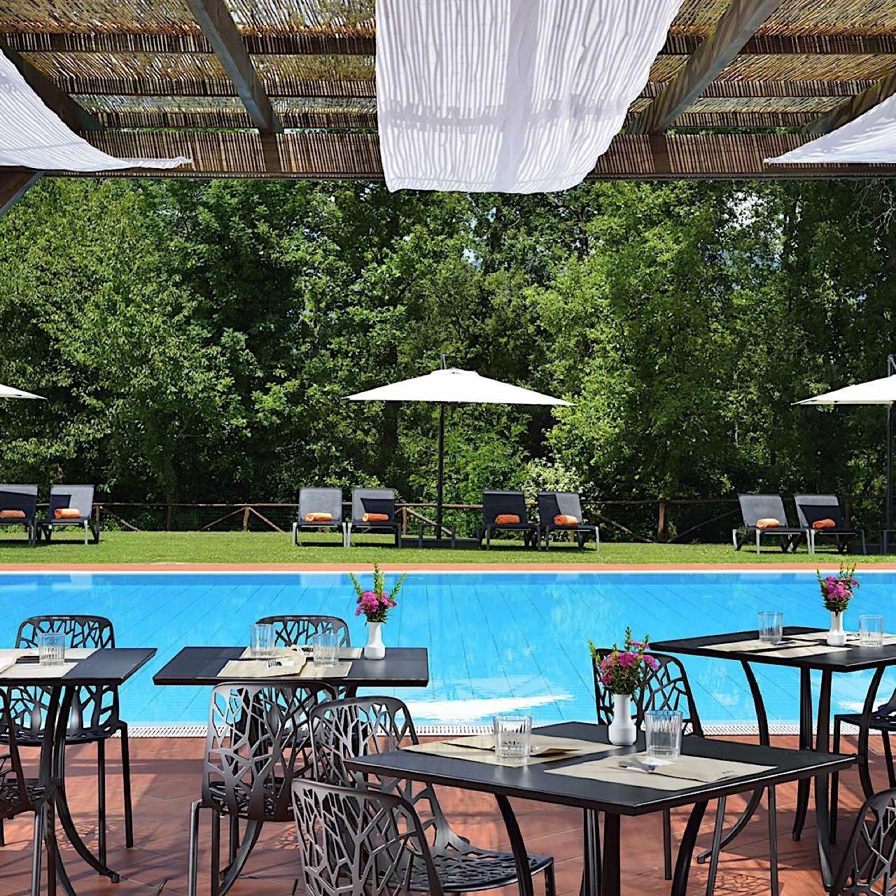 Lunch Pool | Poggio dei Medici Toscana