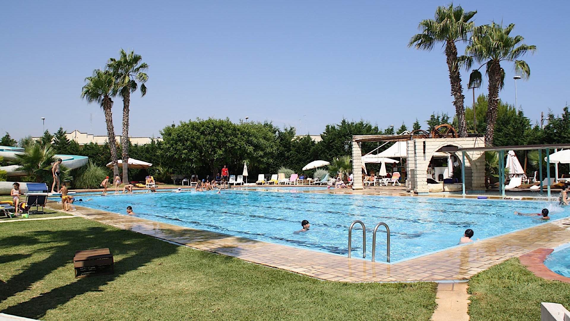 Pool   Regina Bari