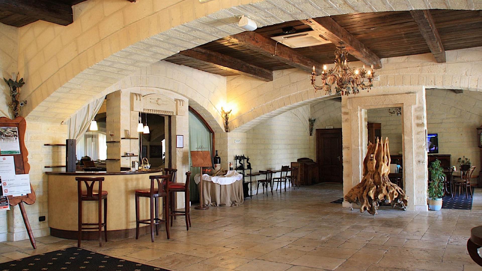 Reception   Regina Bari