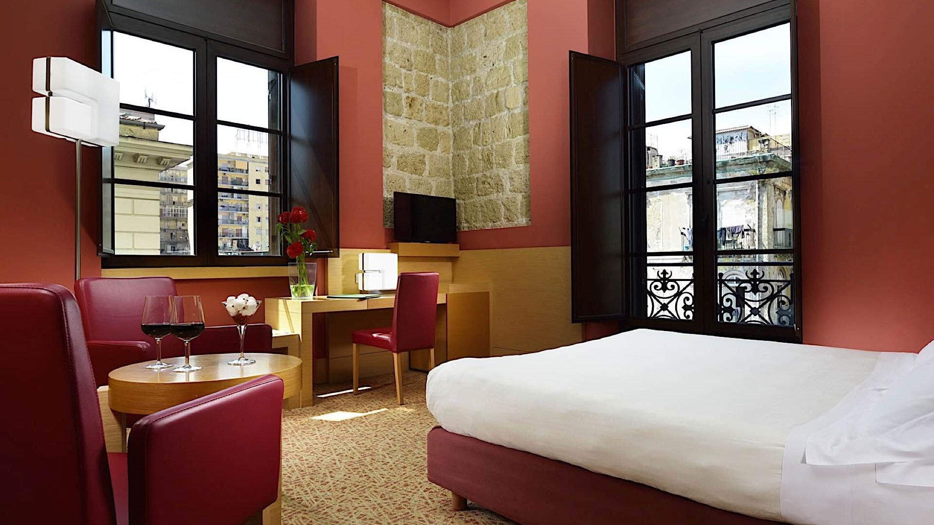 Room   Napoli