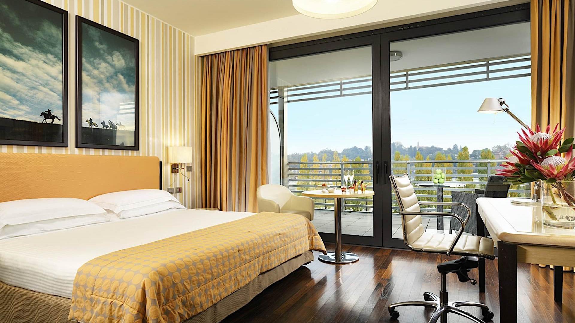 Room | Varese