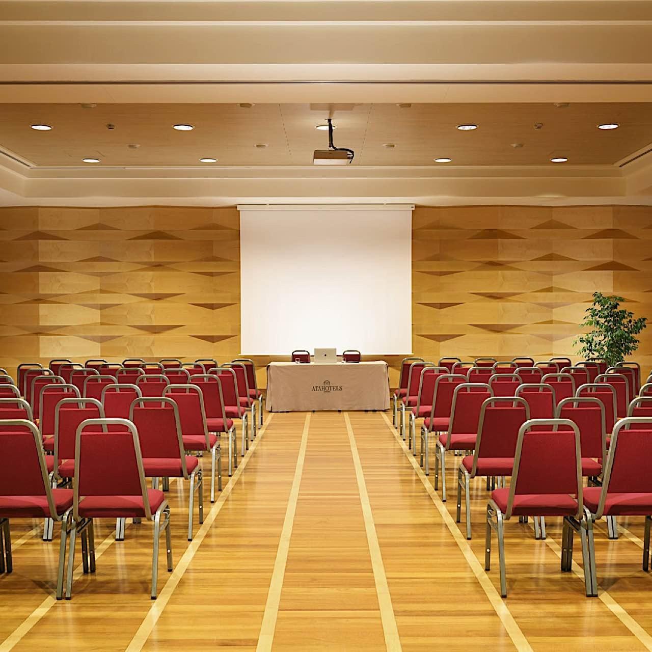 Royal Ascot Meeting Room | Varese