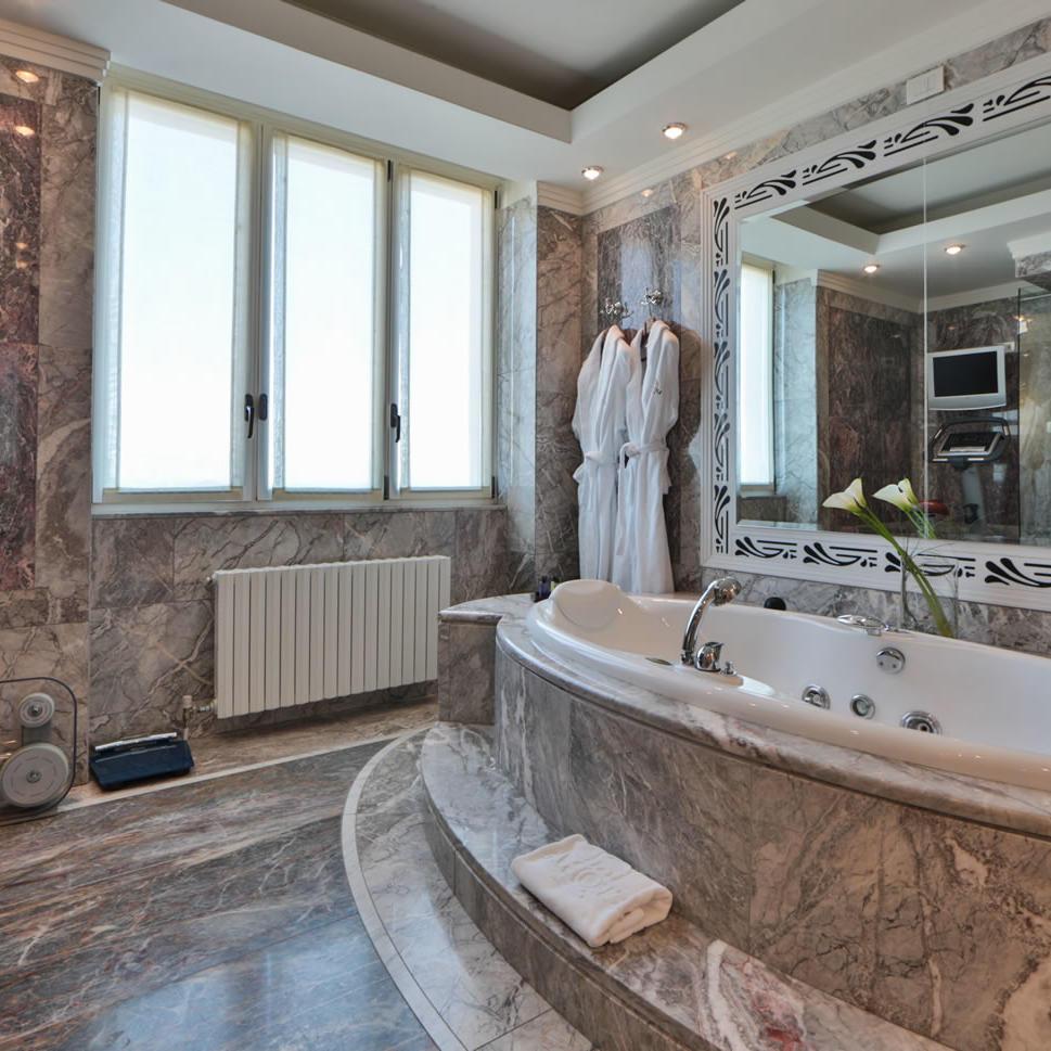 Presidential Suite Bathroom   Principi Di Piemonte