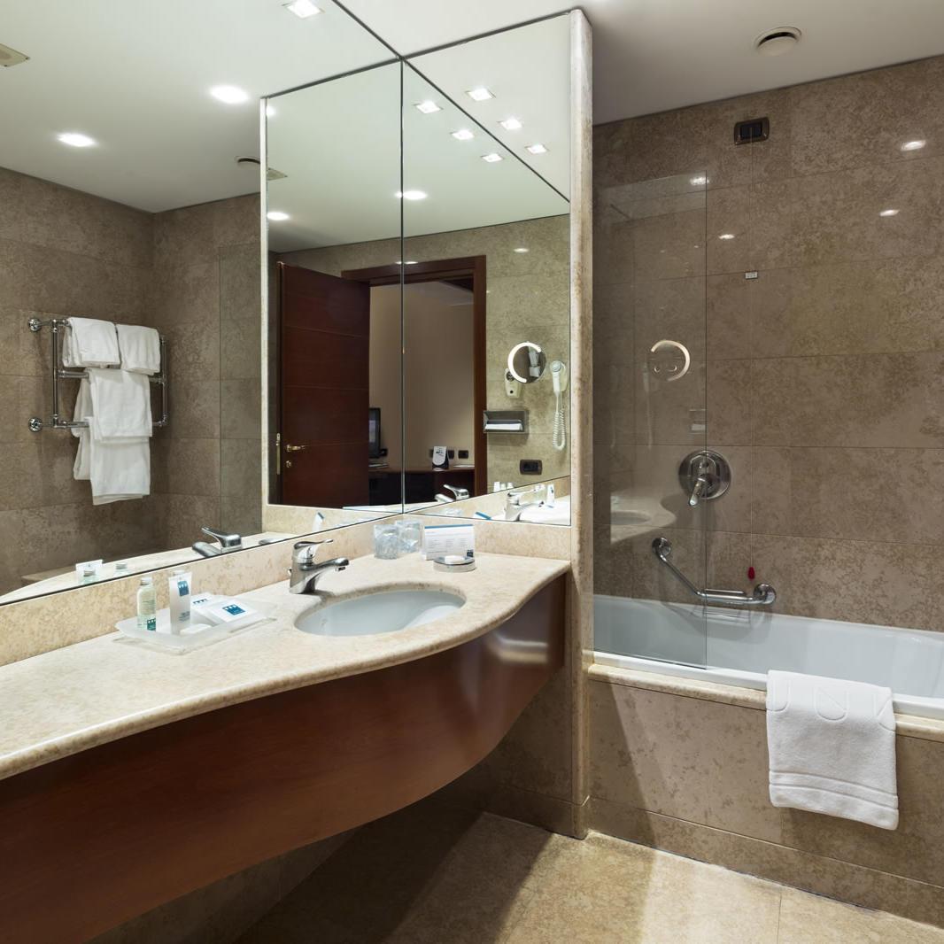 Executive Bathroom | Cusani Milano