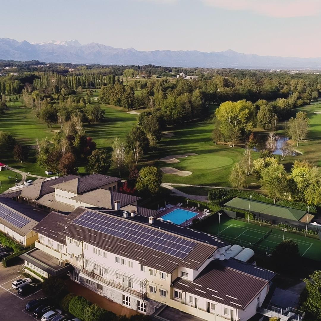 Snathia | Golf Hotel Cavaglia