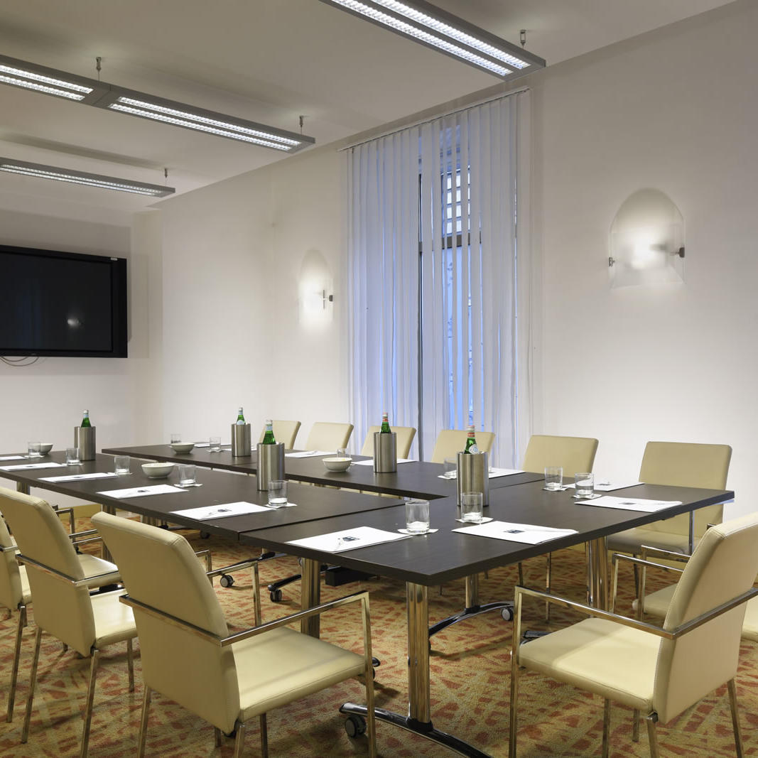 Meeting room   Napoli
