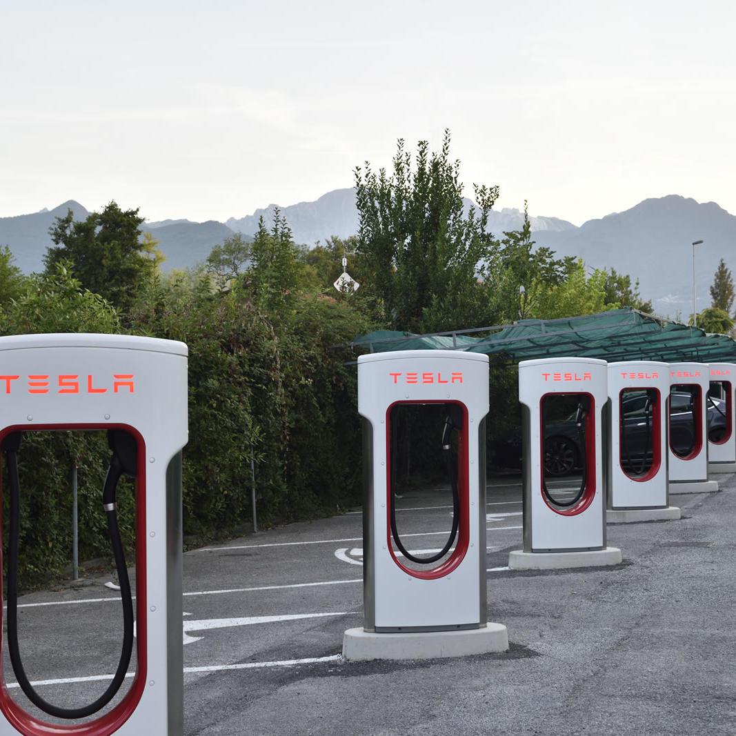Tesla Car Charger | Hotel Forte Dei Marmi