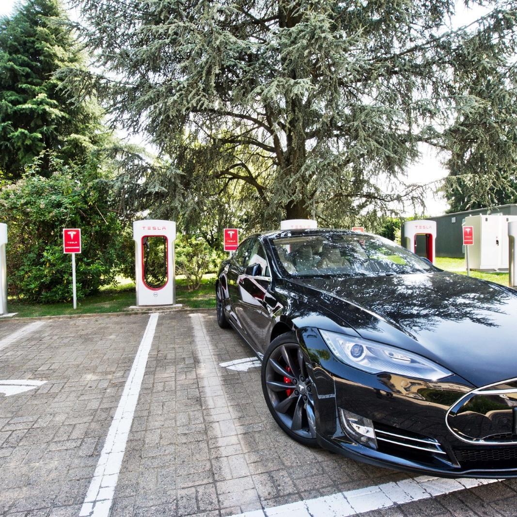 Golf Hotel Cavaglia Santhia Tesla Supercharger