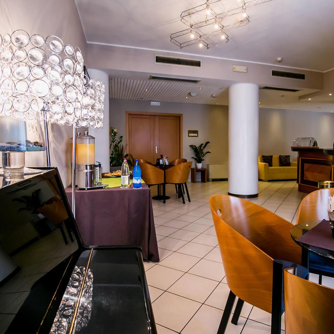 UNAWAY Cafè | UNAWAY Hotel Occhiobello