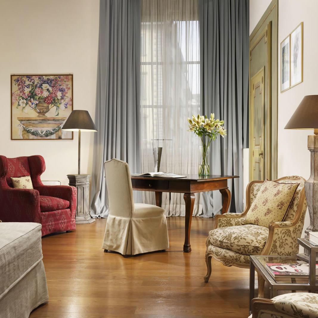 Ugo Suite Living | Leone Blu Suites