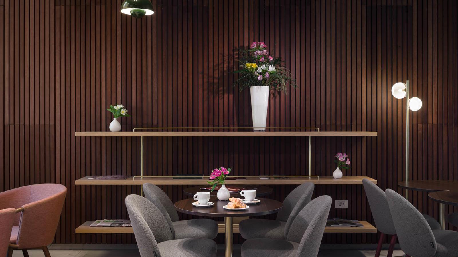 L Bistro & Bar interior 4