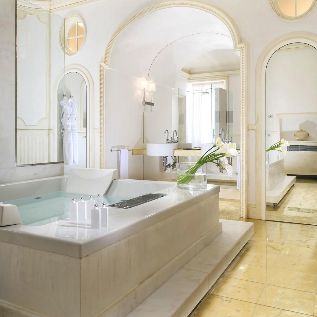 Bathroom Marchesa Liliana | Villa Le Maschere