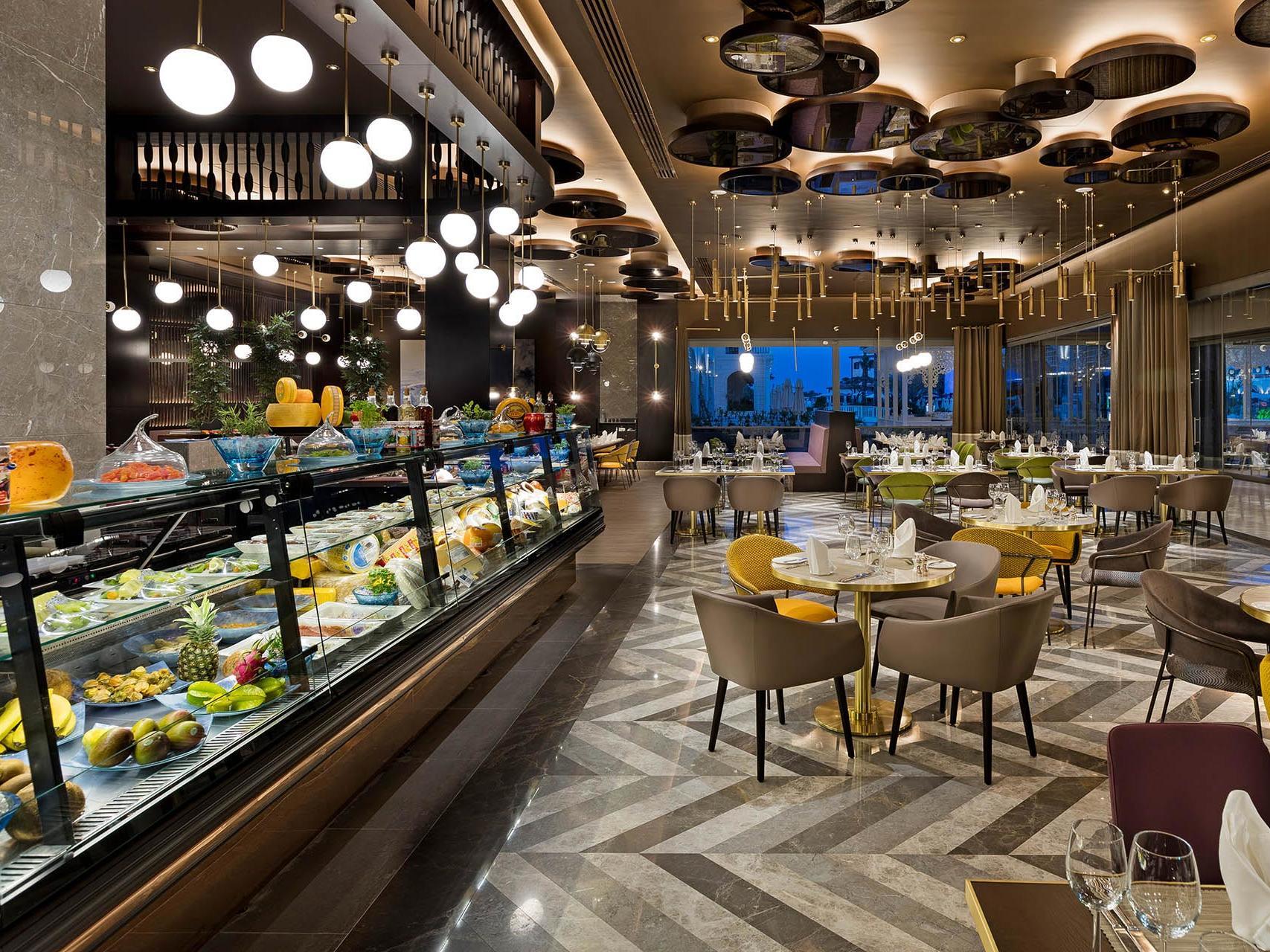 24-Restaurant-(2)