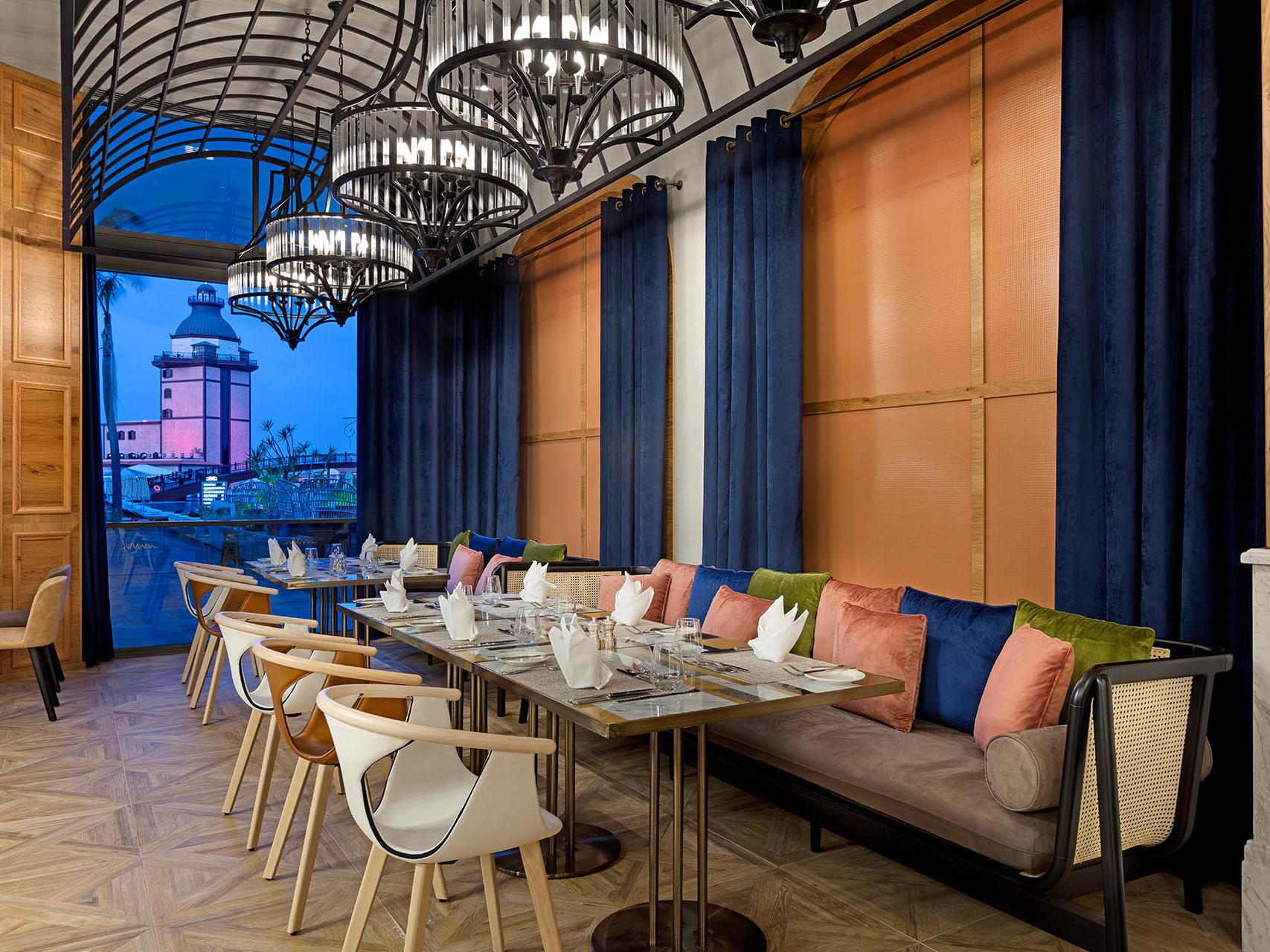 Bosphorus Main Restaurant (3)
