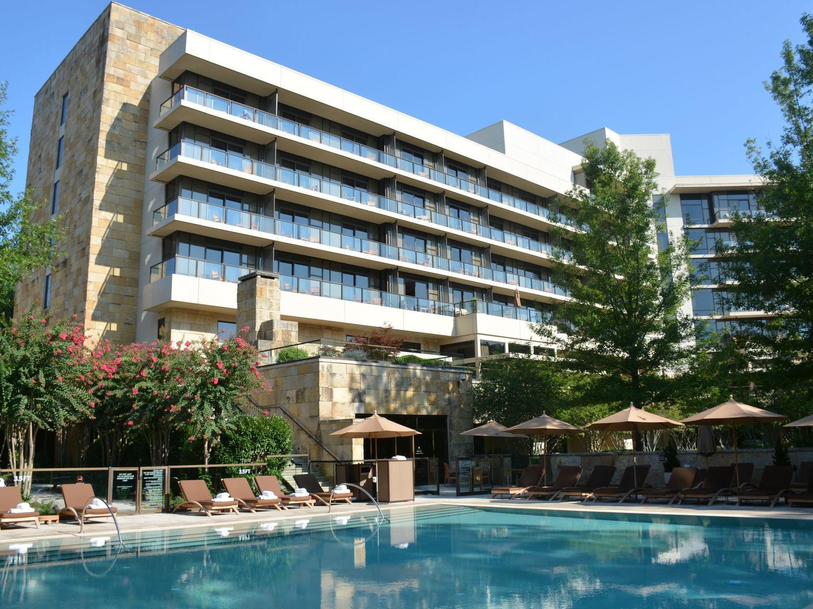 Umstead Hotel - Poolside