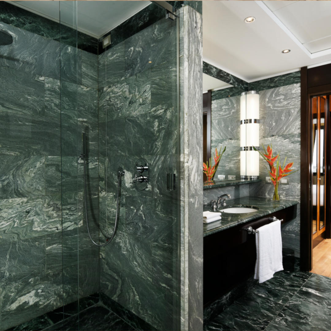 Suite Executive Bathroom | Principi Di Piemonte