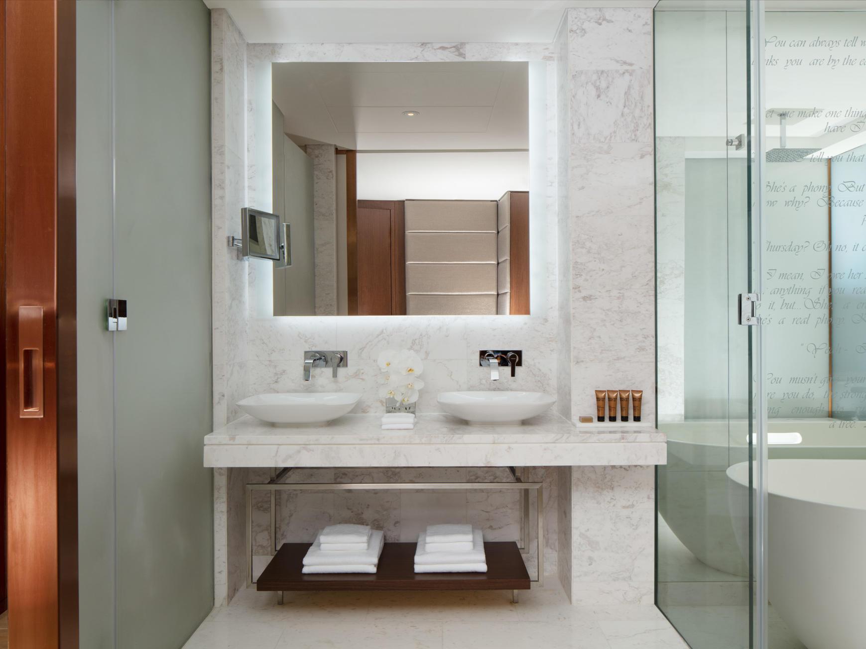 迪拜派拉蒙酒店浴室