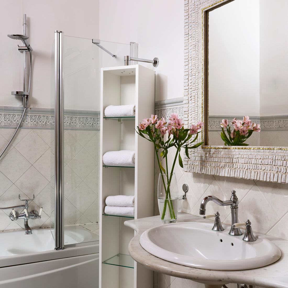 Classic Room Bathroom   Relais Villa grazianella