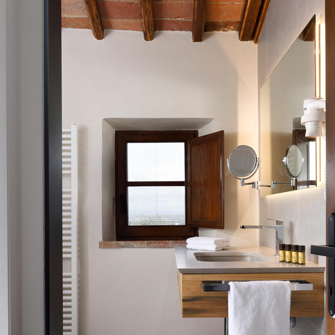 Two-Room Apartment Bathroom   Relais Villa Grazianella