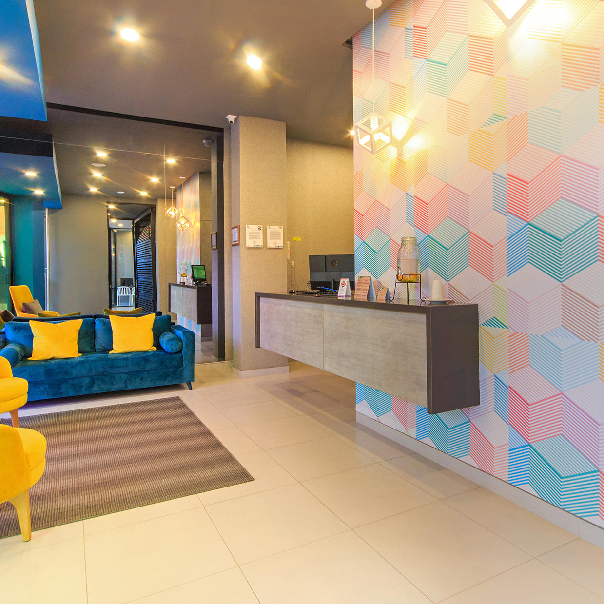 Lobby GIO Suites