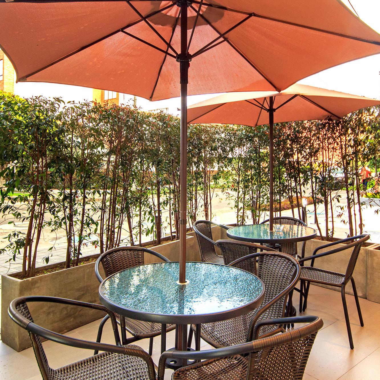 Terraza planta baja GIO Suites