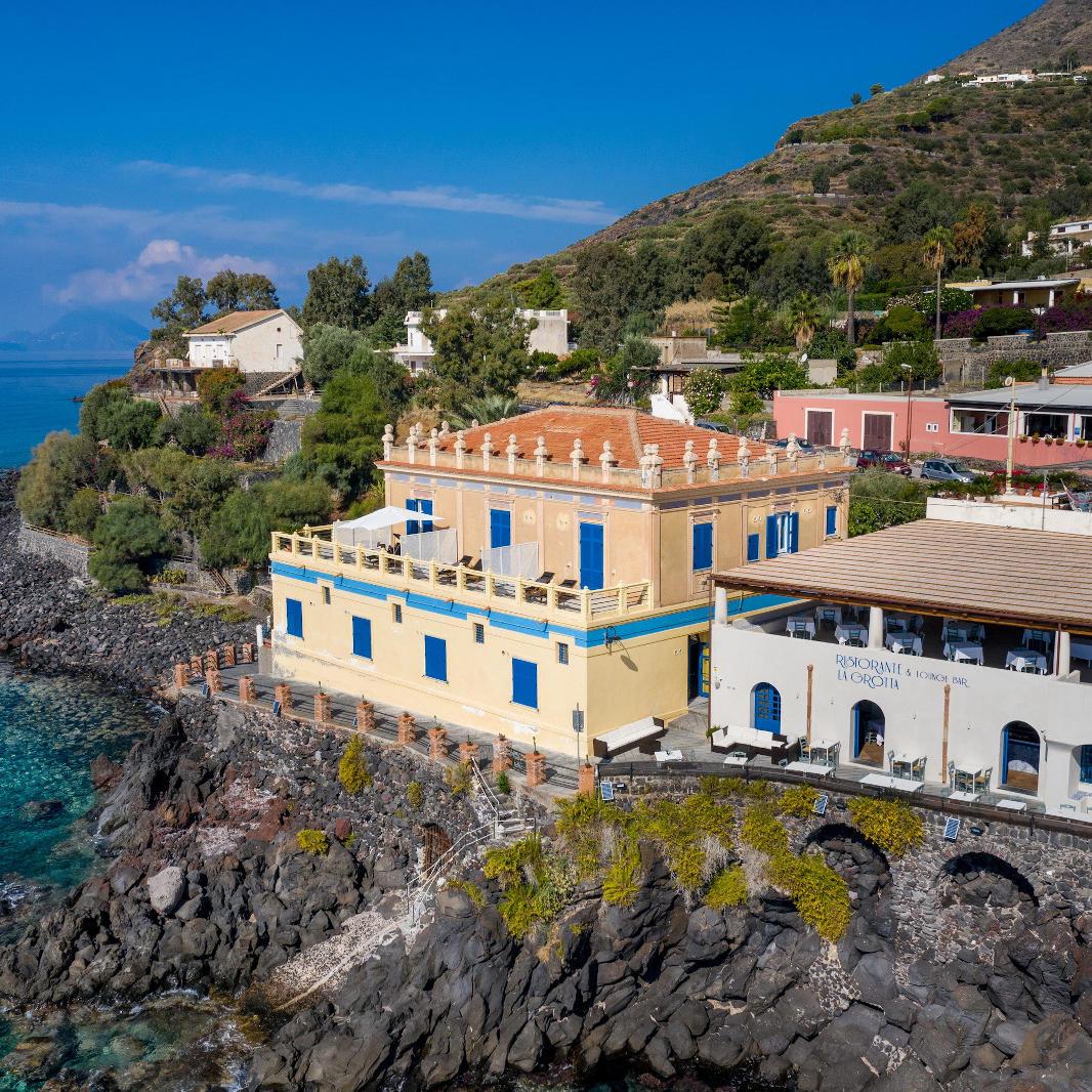 Ariana_Hotel_Isole_Eolie_UNA_Esperienze_exterior (1)