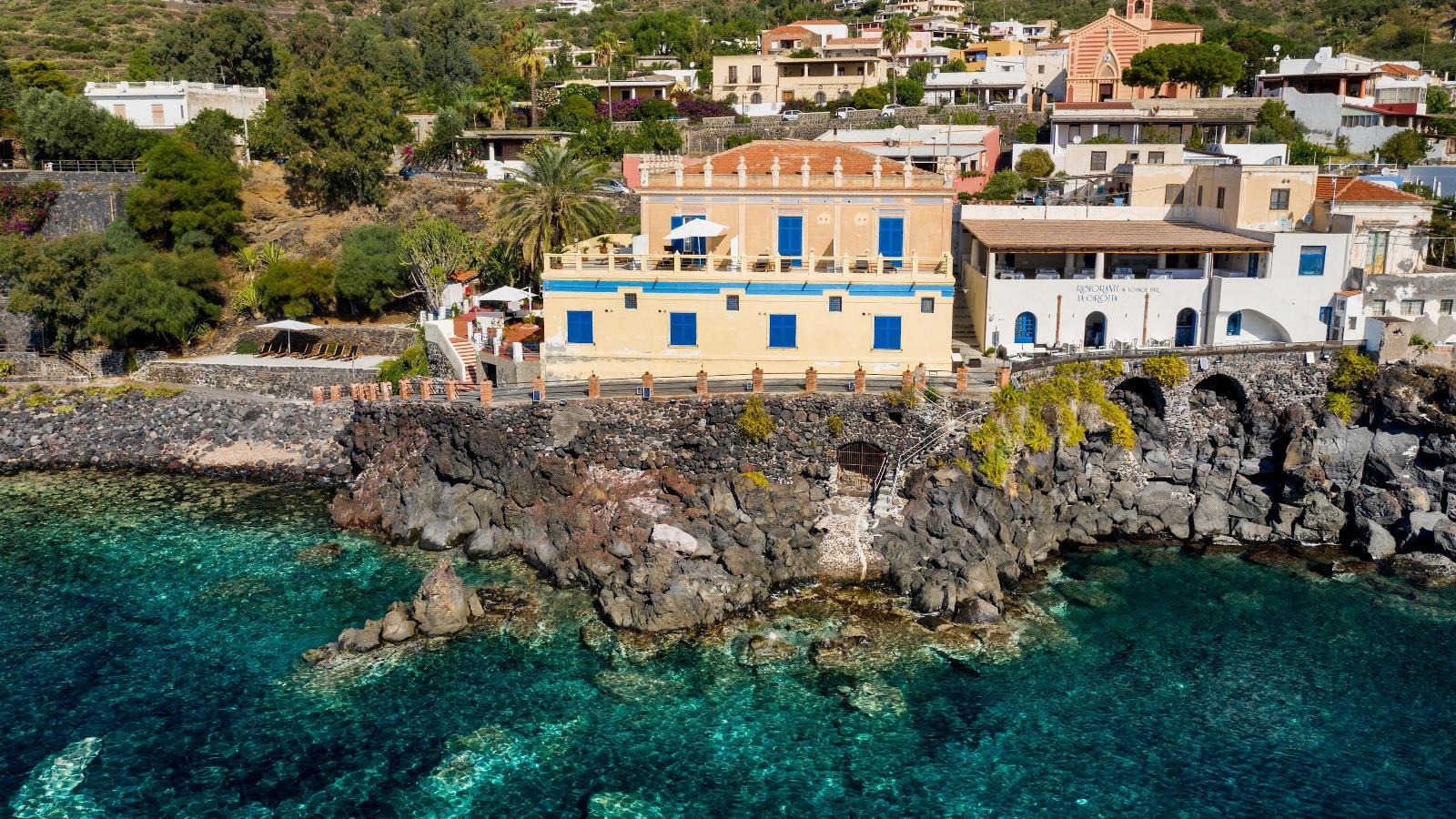 Ariana_Hotel_Isole_Eolie_UNA_Esperienze_exterior