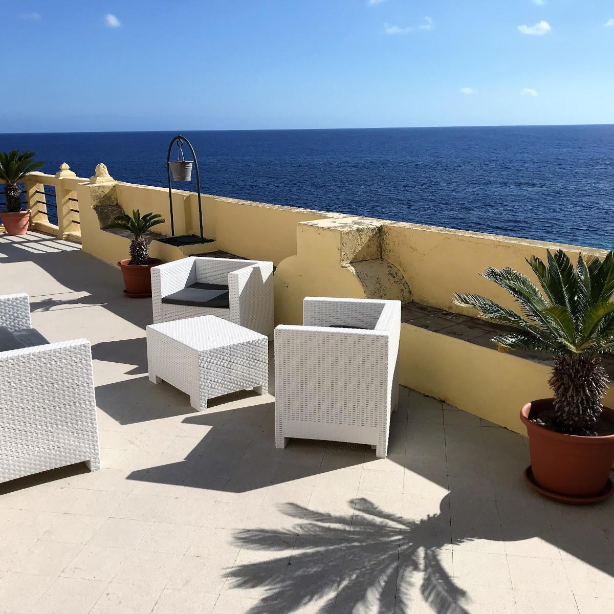 Ariana_Hotel_Isole_Eolie_UNA_Esperienze_terrace