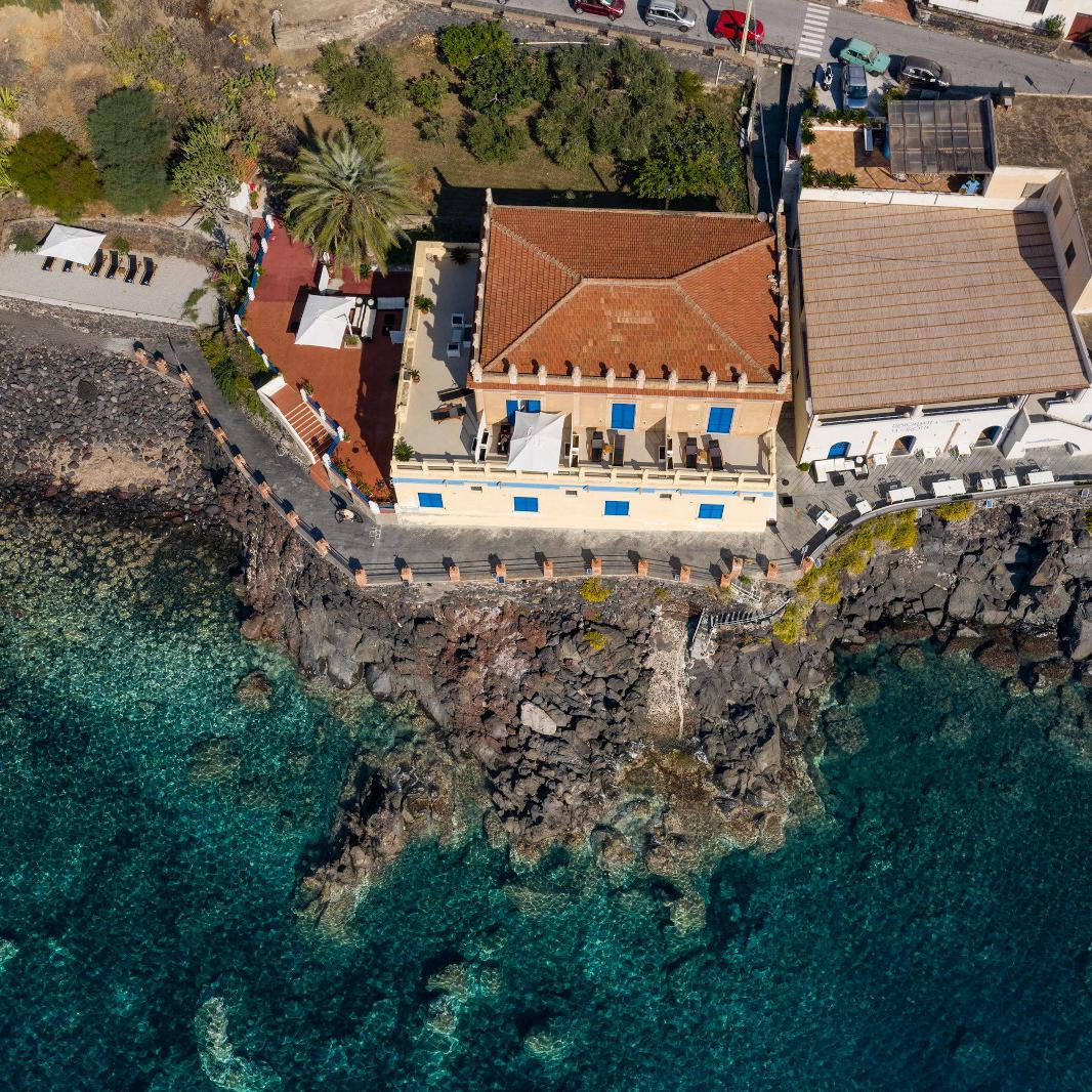 Ariana_Hotel_Isole_Eolie_UNA_Esperienze_topview2