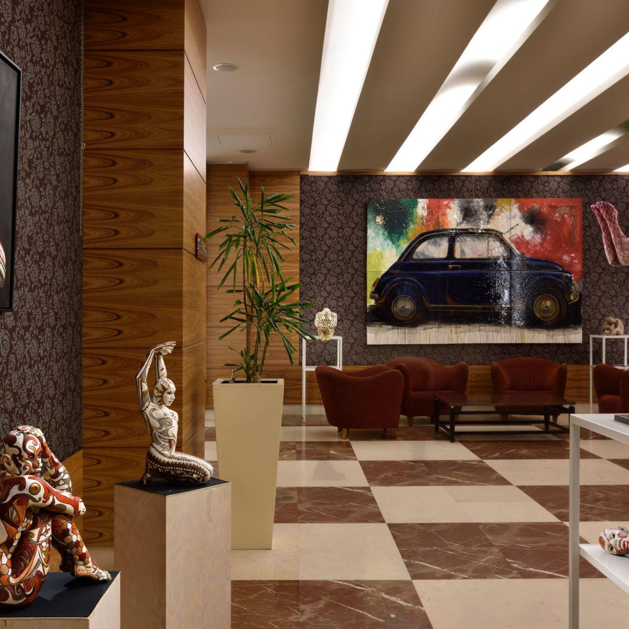 Elegante hall per un'accoglienza unicamente italiana.