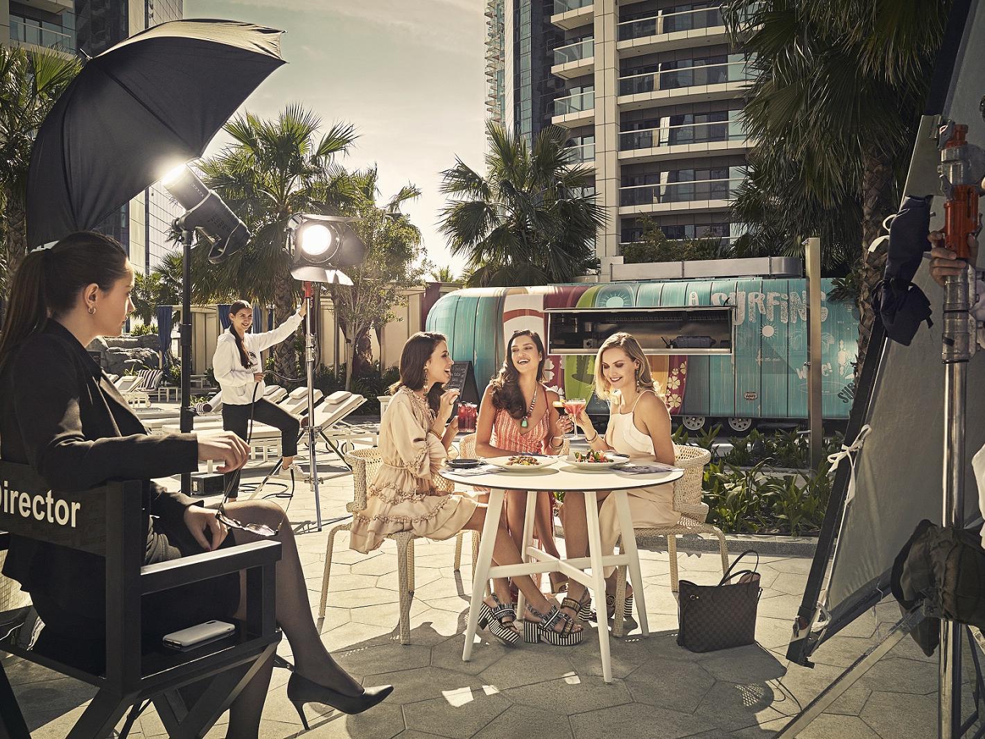 Hollywood Glam Lifestyle